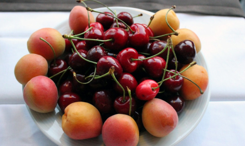 Фото №1 - В черешне и абрикосах из магазинов нашли пониженное содержание витаминов
