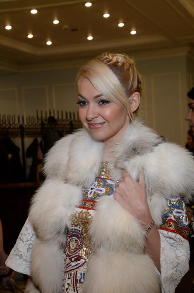 Фото №1 - Рудковская показала себя в полотенце и без макияжа