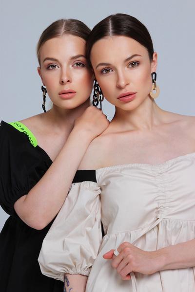 Фото №1 - «Хотелось бы поработать с Водяновой, Gucci, Милохиным»: как дизайнеры DNK прошли путь от хобби к успешному бренду