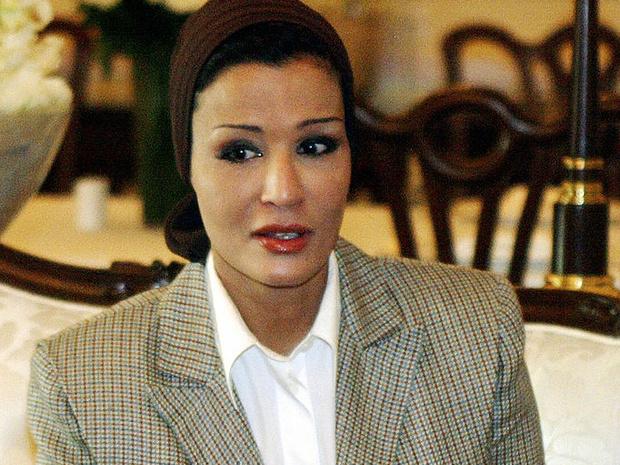 Фото №3 - Великолепная шейха Моза: как дочь мятежника стала «королевой сердец» Востока и иконой стиля