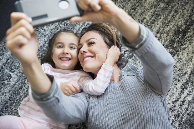 Фото №1 - Почему ребенку нужно общаться с тетей: 8 важных причин