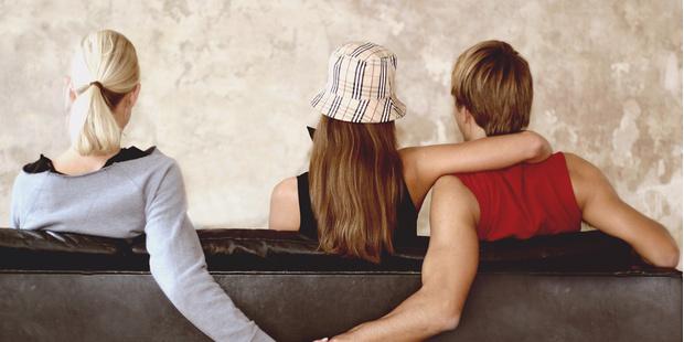 Фото №1 - Реальные истории: 4 девушки рассказали о своих самых тяжелых отношениях