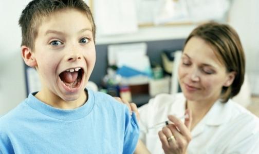 Фото №1 - Импортная вакцина «Пентаксим» прошла сертификацию в РФ и скоро поступит в клиники