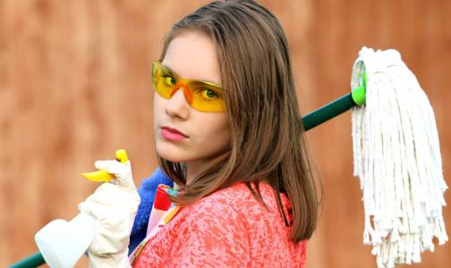 Фото №1 - «Можно лишиться зрения»: В Роспотребнадзоре рассказали, как нельзя пользоваться дезинфицирующими средствами