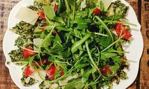 Салат из рукколы и помидоров черри: пошаговый рецепт