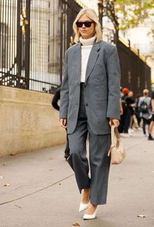 Фото №7 - Курс на утепление: как носить трикотажные вещи в офис