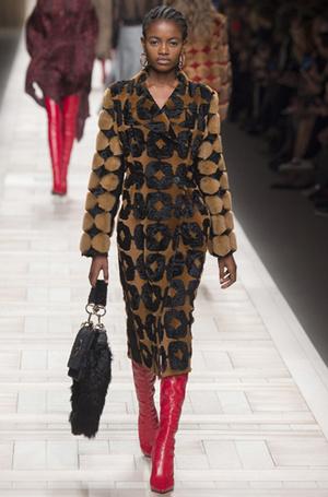 Фото №35 - Будущие модные тренды, которые вы захотите уже сейчас