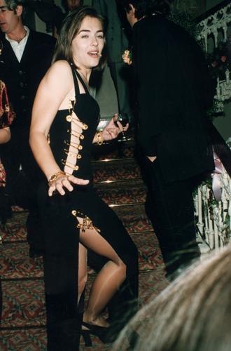 Фото №21 - От Дианы до Рианны: самые скандальные платья в истории моды