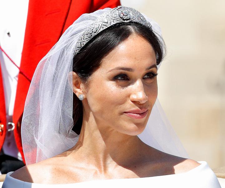 Фото №2 - Невеста с претензиями: за что Меган обиделась на Королеву перед свадьбой