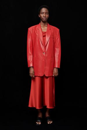 Фото №1 - Lady in red: Nanushka представили коллекцию в честь Китайского Нового года