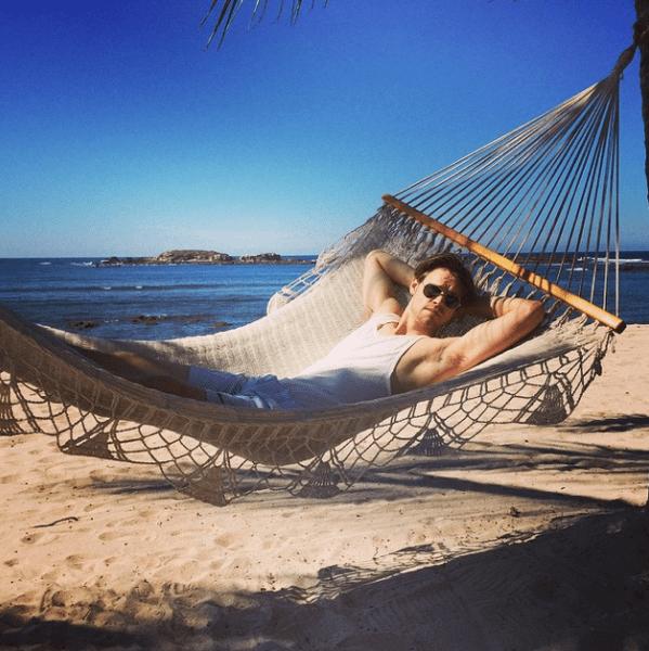 Фото №20 - Звездный Instagram: Знаменитости расслабляются