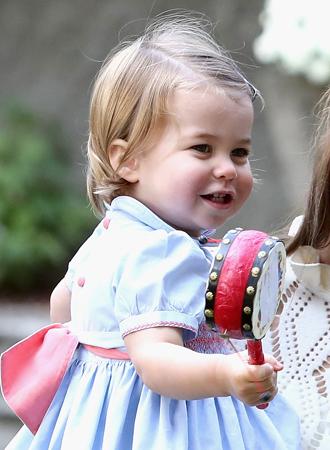 Фото №8 - Ее мини-Величество: феноменальное сходство принцессы Шарлотты с Елизаветой II