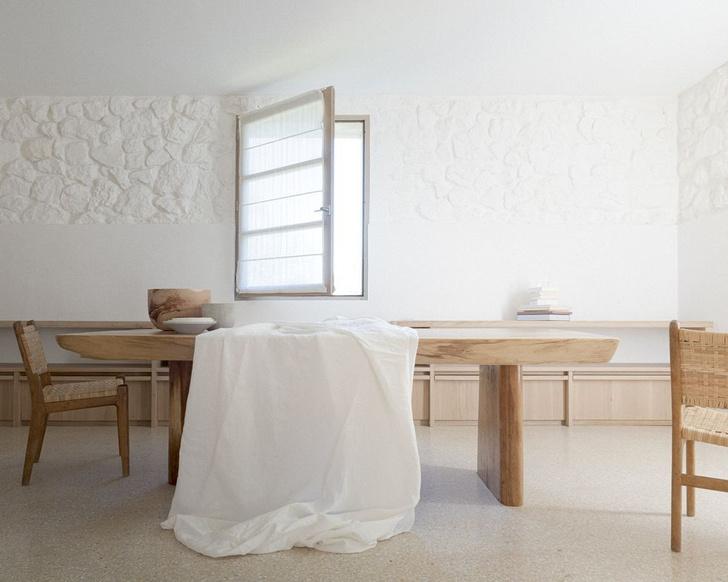 Фото №2 - Аскетизм и уединение: вилла Ma House во Франции