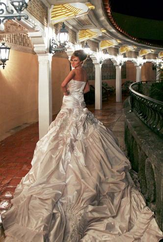 Фото №11 - Свадебное платье Dior на заказ