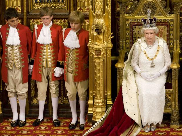 Фото №1 - Еще 20 любопытных правил королевского этикета, о которых вы могли не знать