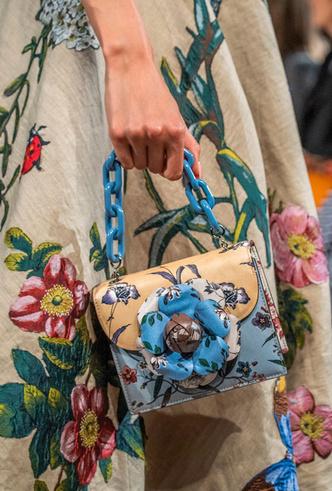 Фото №7 - Самые модные сумки весны и лета 2020