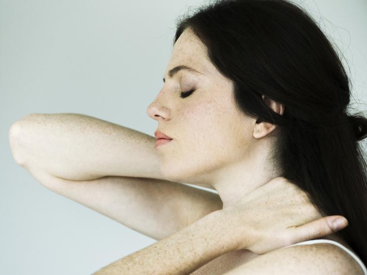 Фото №2 - Советы остеопата: как убрать холку на шее