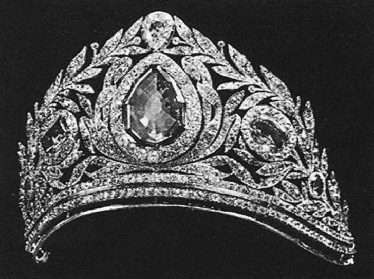 Фото №31 - Утраченные сокровища Империи: самые красивые тиары Романовых (и где они сейчас)