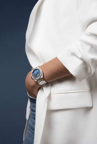 Фото №2 - Космические новинки: Zenith представили женские часы Defy Midnight
