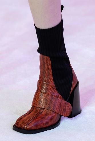 Фото №18 - Самая модная обувь осени и зимы 2019/20