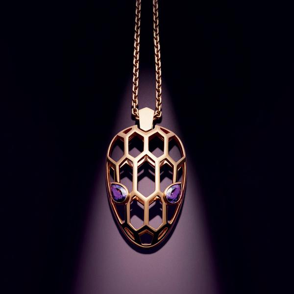 Фото №10 - Глаза змеи: новая ювелирная коллекция Bulgari