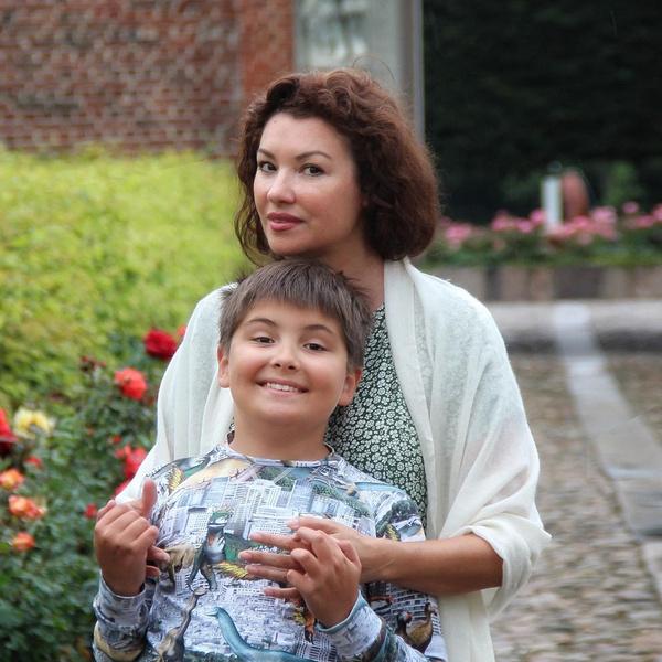 Фото №1 - «Аутист, но все понимает»: Нетребко разоткровенничалась об особенном сыне