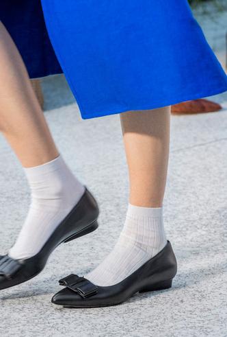 Фото №41 - Самая модная обувь весны и лета 2020: советы дизайнеров