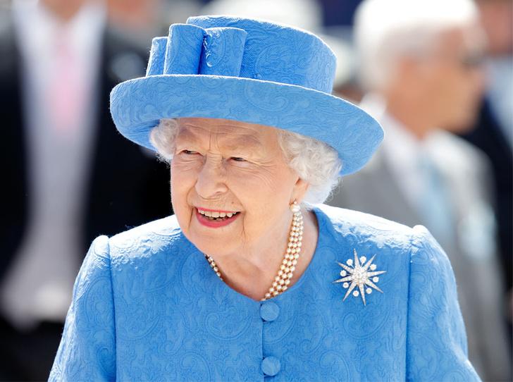 Фото №1 - Какой фастфуд предпочитает королева Елизавета II