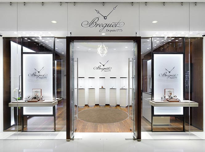 Фото №1 - Breguet открыл бутик в галереях «Времена Года»