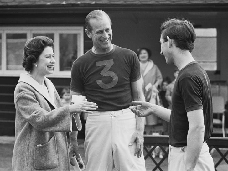 Фото №3 - Проступки отца: почему принц Филипп так и не смог стать хорошим примером для Чарльза