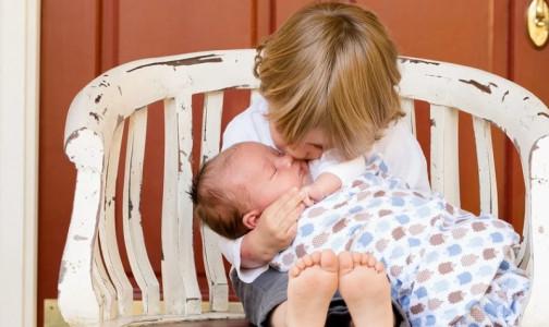 Фото №1 - Размеры пособий при рождении ребенка и для россиян с инвалидностьювырастут на 4,9%