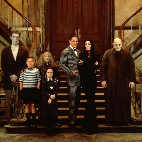 Фото №3 - Стиль «Семейки Аддамс»: как создавались образы для героев культового фильма