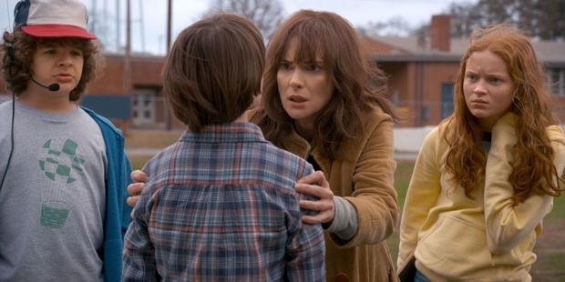 Фото №1 - Что первые фото «Очень странных дел» говорят о втором сезоне?