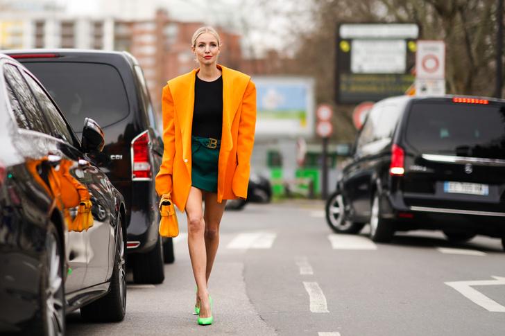 Фото №1 - Неоновые пальто— тренд весны 2021