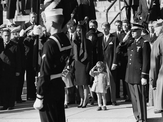 Фото №4 - Бэррон Трамп и еще 6 детей президентов США, которым досталось от СМИ