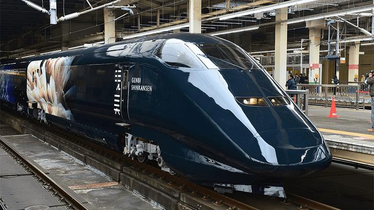 Фото №1 - Японский музей разместил экспозицию в скоростном поезде