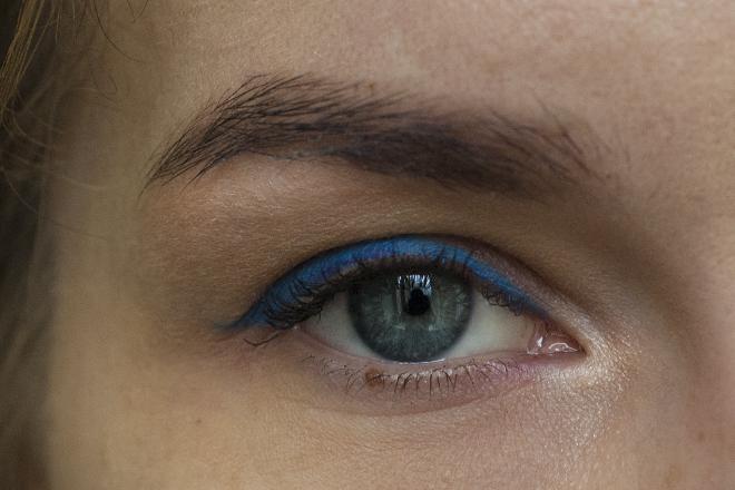 NYX slim eye pencil electric blue