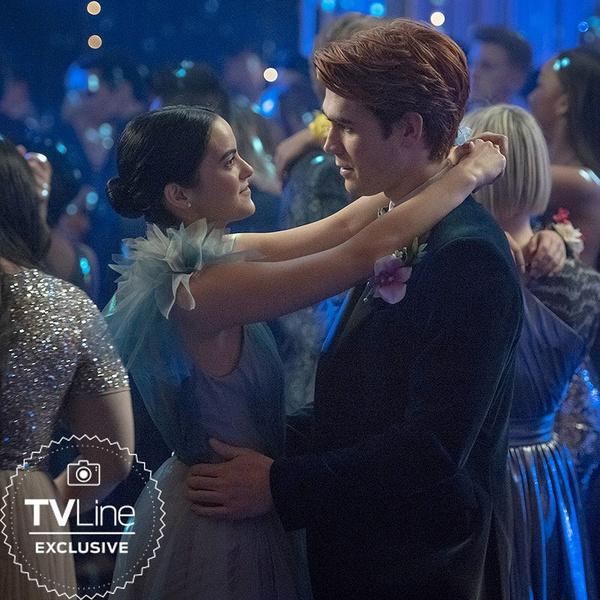 Фото №2 - В Сети появились первые кадры из пятого сезона «Ривердейла»— зацени!