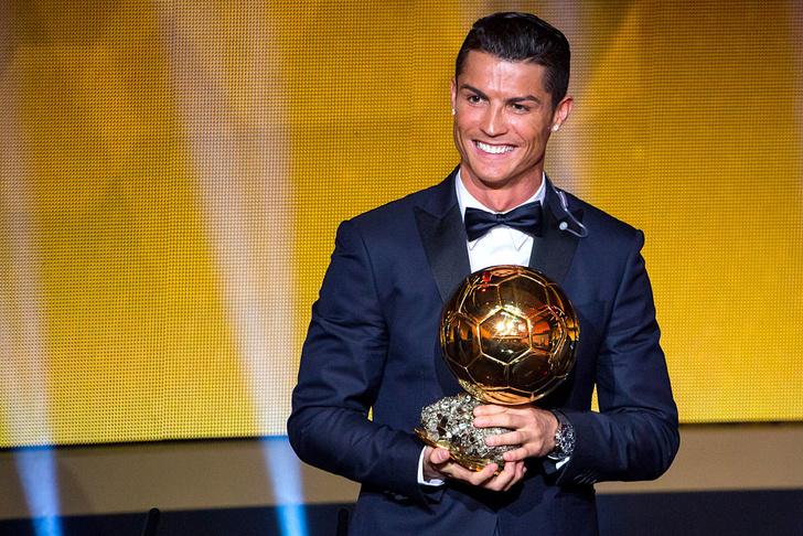 Фото №1 - Криштиану Роналду стал первым футболистом-миллиардером