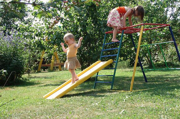 Фото №2 - Лето на даче: как обустроить игровой уголок для детей