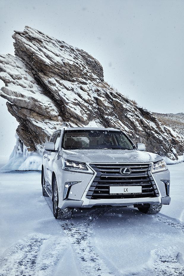 Фото №4 - Lexus покоряет Байкал: лед, вода и медные трубы