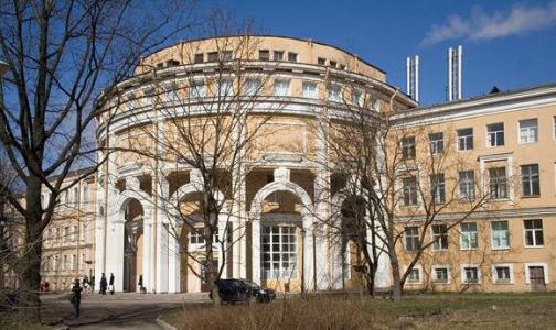 Фото №1 - Два медицинских вуза Петербурга и СПбГУ вошли в сотню лучших в стране