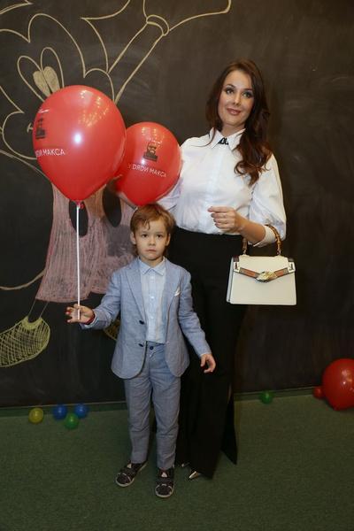 Фото №1 - Оксана Федорова рассказала, как вести себя с мужчиной в браке