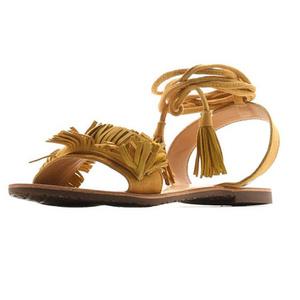 Фото №9 - От босоножек с декором до сандалий-гладиаторов: 10 антитрендов летней обуви
