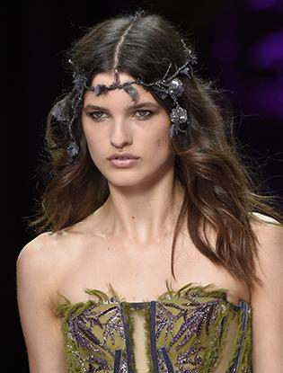 Фото №25 - Неделя Высокой Моды в Париже: Atelier Versace FW2015/16