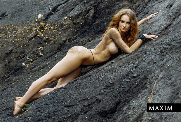 Фото №3 - Актриса фильма «Вратарь Галактики» Мария Лисовая в фотосессии MAXIM