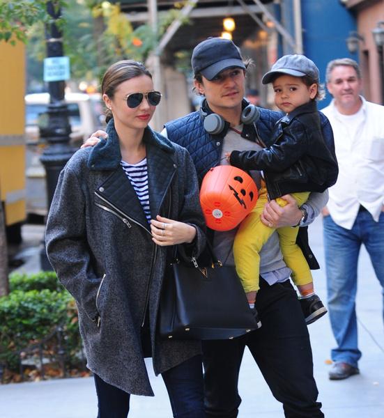 Фото №2 - Счастливое семейство: Кэти Перри на прогулке с Орландо Блумом и его сыном Флинном
