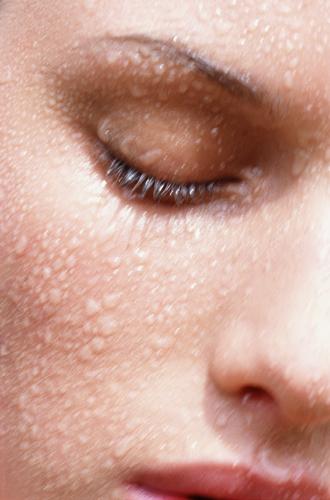 Фото №21 - С чистого лица: как правильно очищать кожу летом