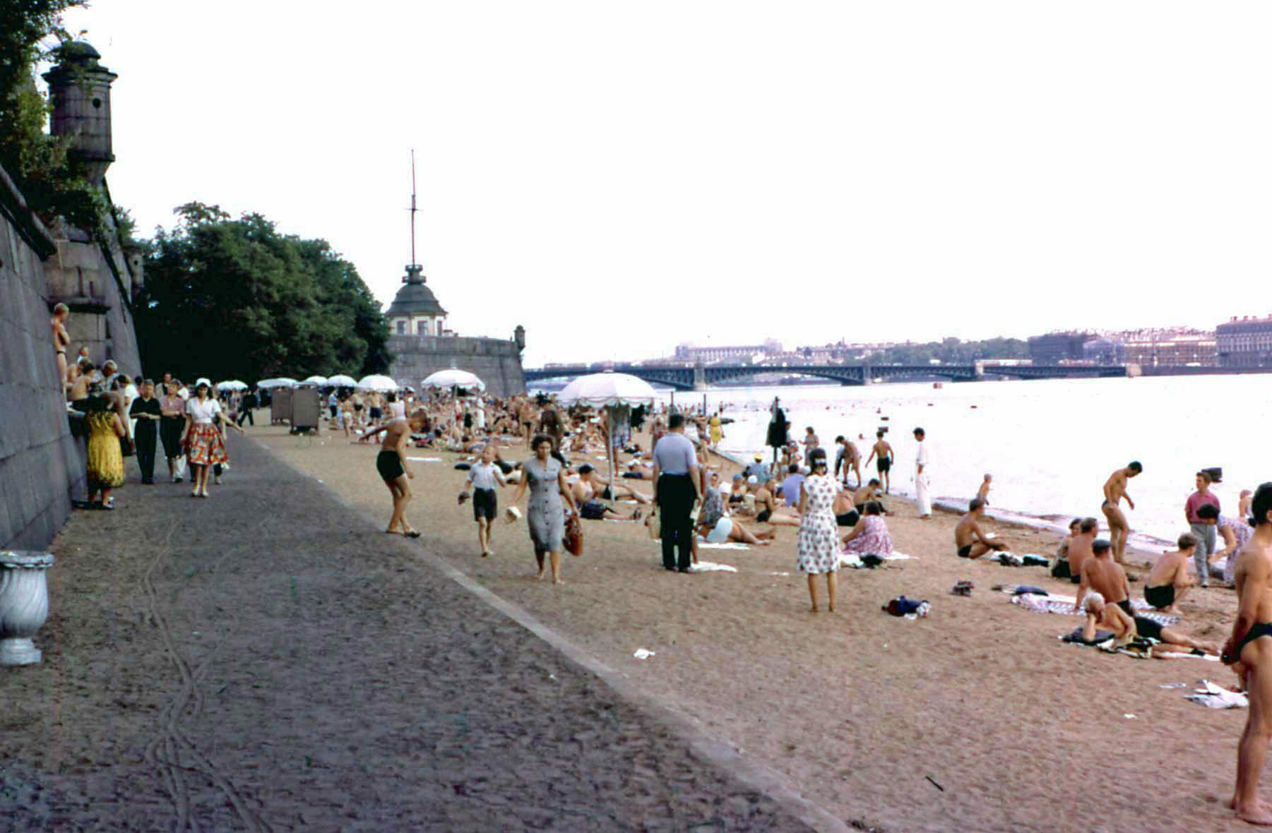 Цветные фотографии Ленинграда 1961 года.