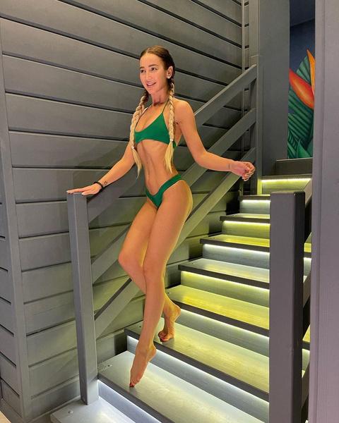 Фото №4 - Самые модные купальники 2021: выбор Юли Гаврилиной, Вали Карнавал, Оли Бузовой и других